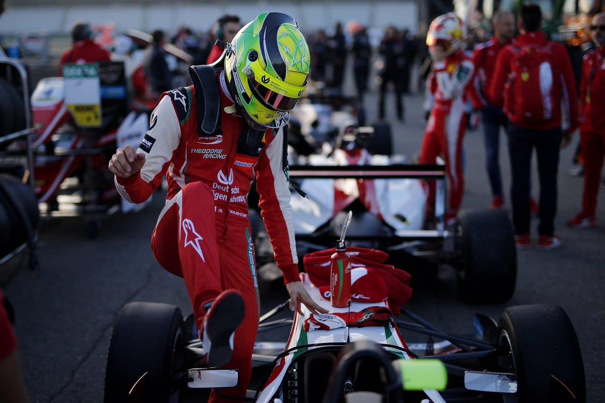 Mick Schumacher je krok odvstupu do Jezdecké akademie Ferrari