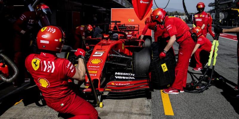 Ferrari odhalilo příčinu Vettelovy havárie