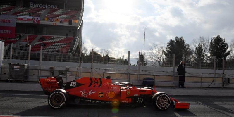 V úterý nejrychlejší Leclerc, Gasly havaroval