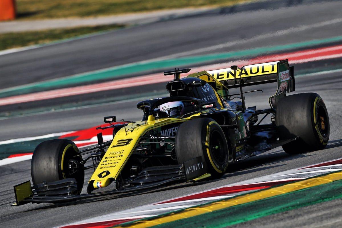 V Barceloně na závěr prvního týdne nejrychlejší Renault, Williams tápe