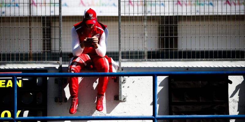 Mick Schumacher by mohl testovat pro Alfu Romeo