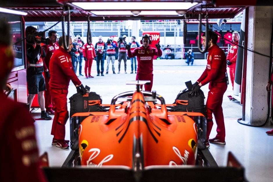 Ferrari stanovilo datum prezentace vozu a zažehlo motor