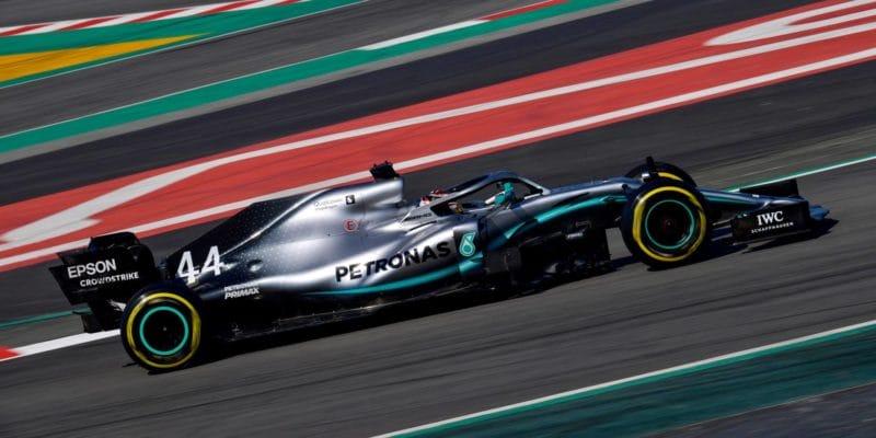 Mercedes odjíždí z Barcelony pozitivně naladěný