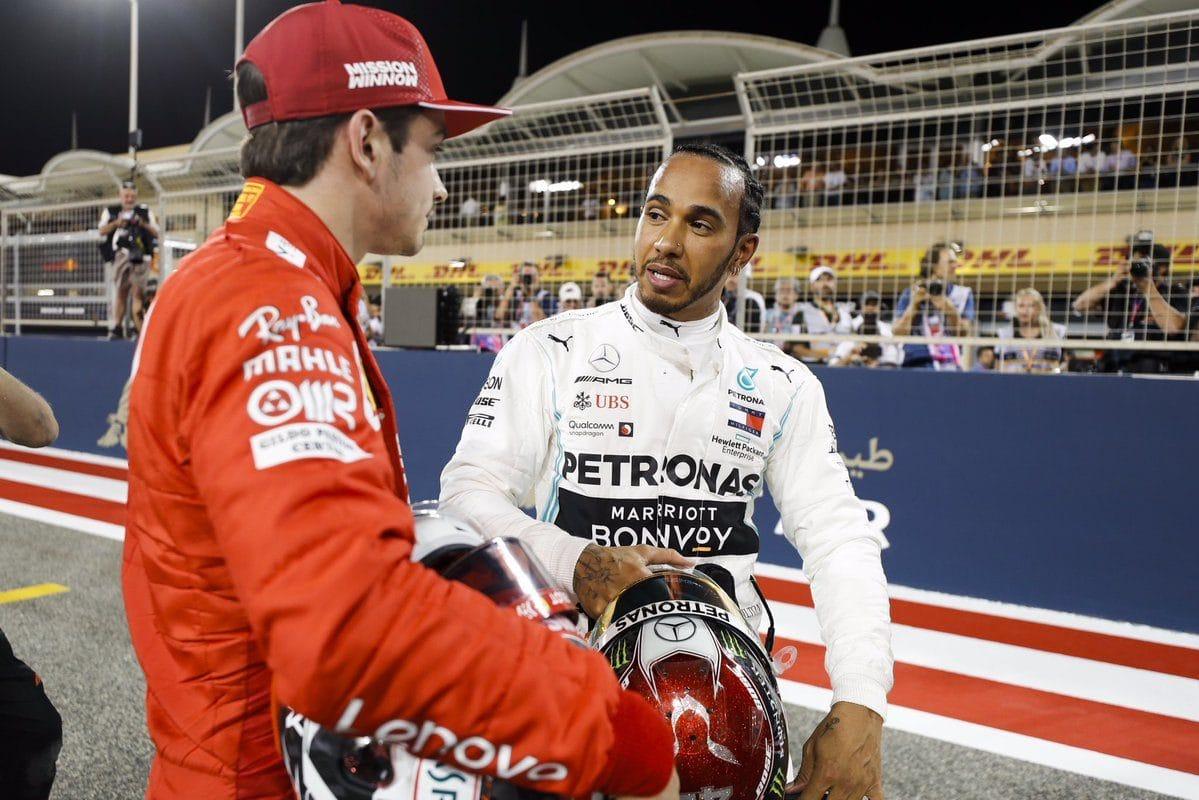Leclerc by ve Ferrari Hamiltona uvítal