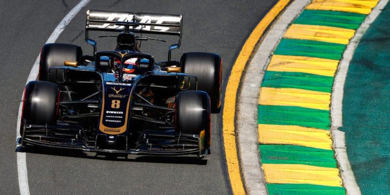 Není to stejný trapas jako loni, vysvětluje Haas incident Grosjeana