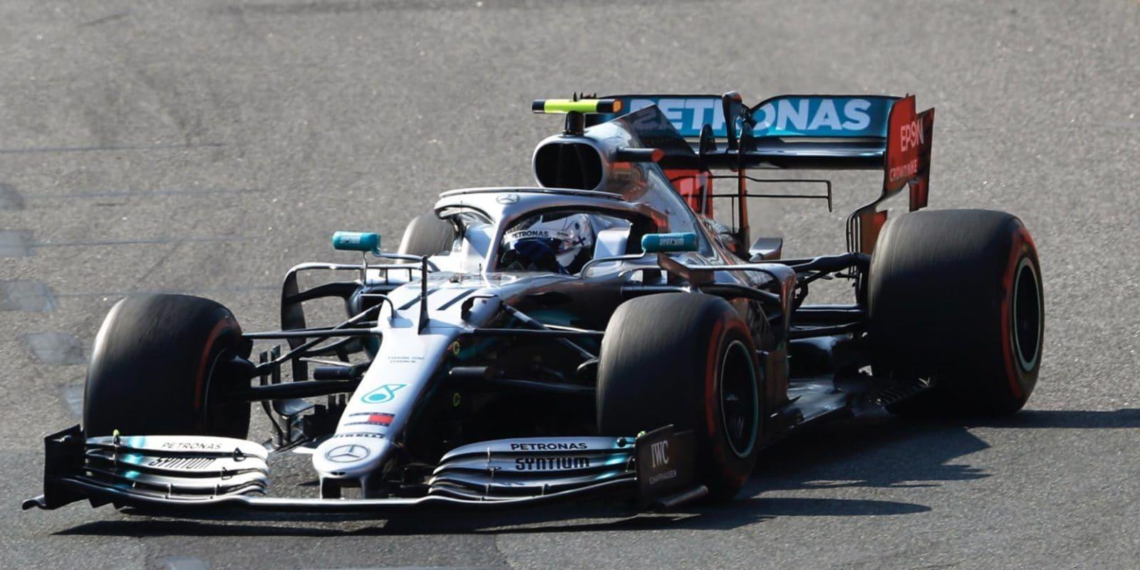 V úvodním závodě sezóny si dojel pro vítězství Bottas