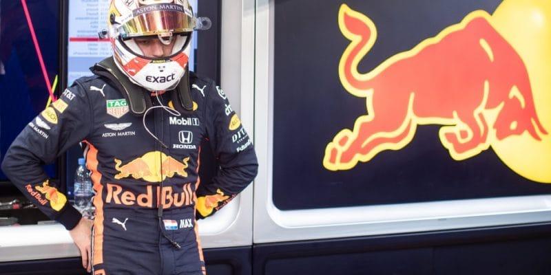 Verstappen bude mít nového dodavatele helmy