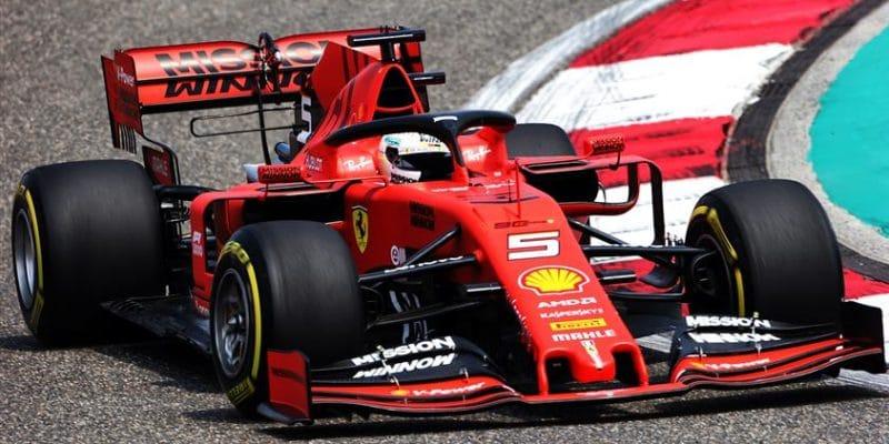 Úvodní trénink na jubilejní 1000. GP pro Vettela