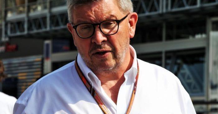 Brawn: Duo z Ferrari by si mělo brát příklad z Hamiltona