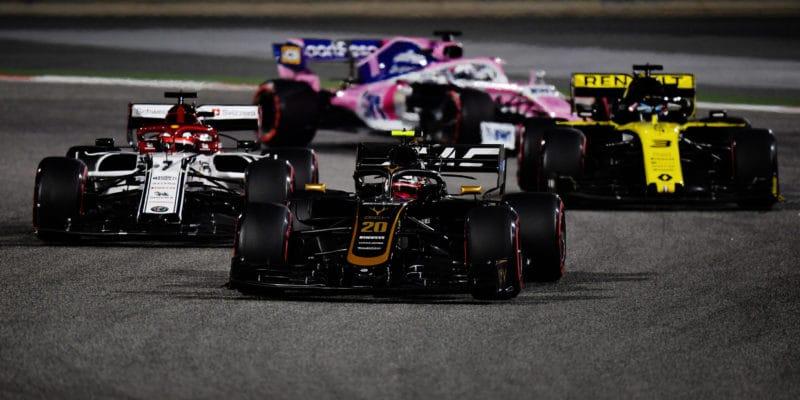 Jsou pomalí, tak brblají, odpálil Steiner stížnosti Renaultu