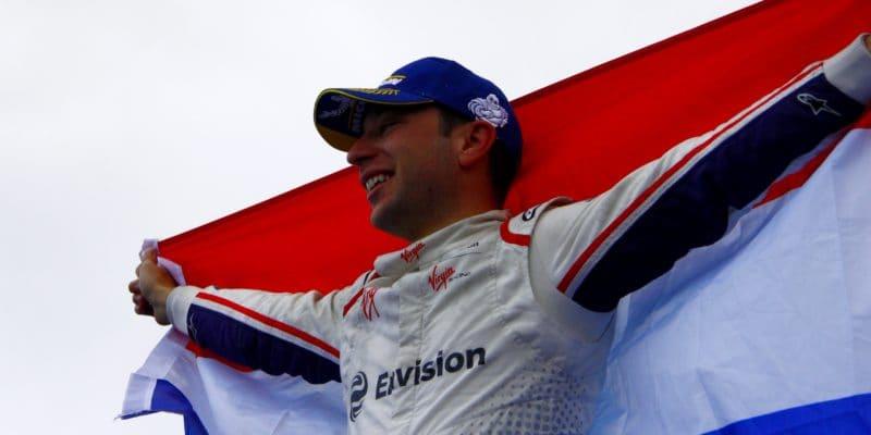 Frijns slaví první vítězství, déšť ho nezastavil