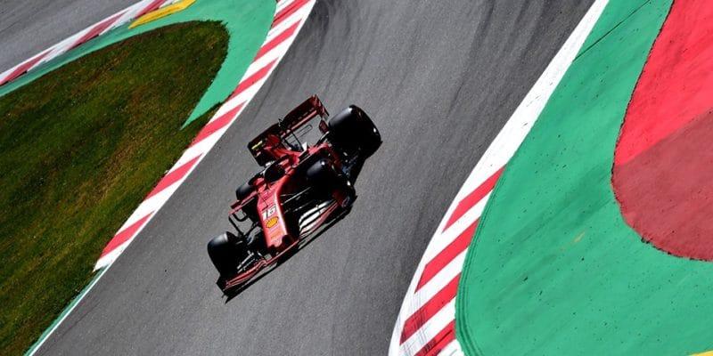 Ferrari musí ve Španělsku vyhrát, aby seudrželo vboji otitul
