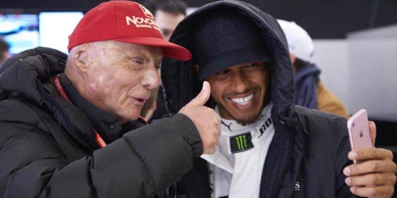 Lewis Hamilton byl omluven zmediálních povinností