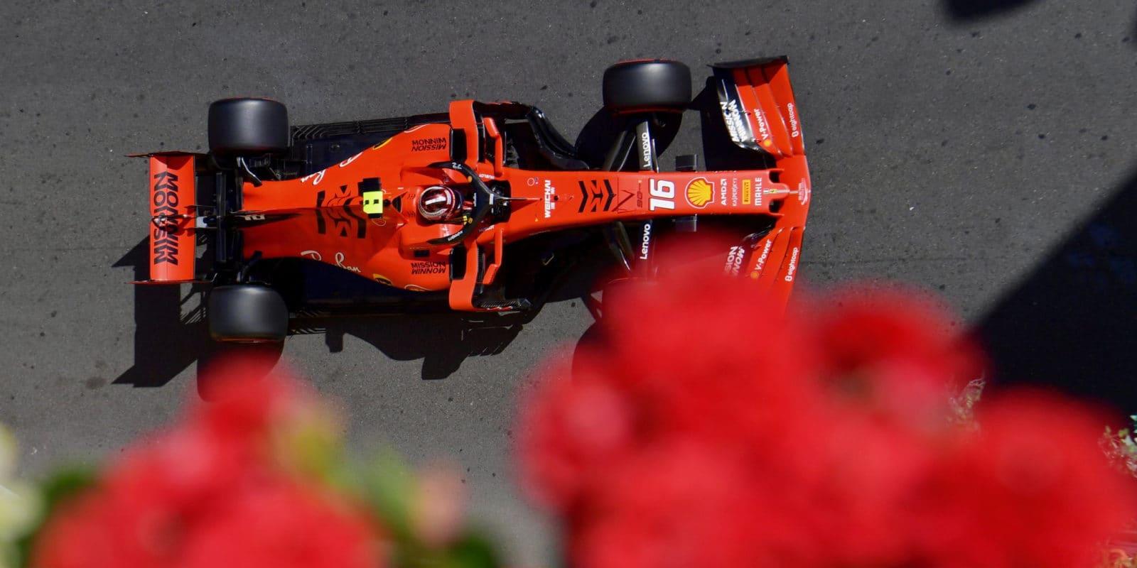 Villeneuve: Ferrari uspěchalo Leclercovo angažmá, nezvládá ho