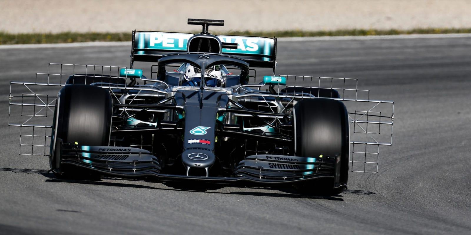 Testy: Bottas nejrychlejší s náskokem 1,4 sekundy