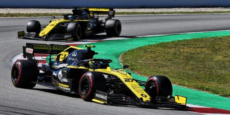 Surer se opřel do Renaultu: Jsou úplně mimo