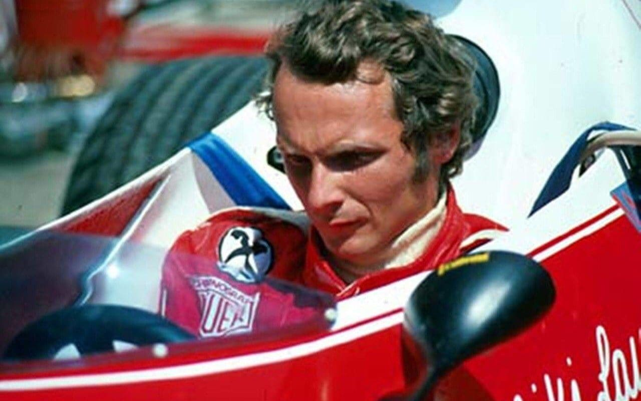 Niki Lauda je nenahraditelný v Mercedesu, říká Toto Wolff