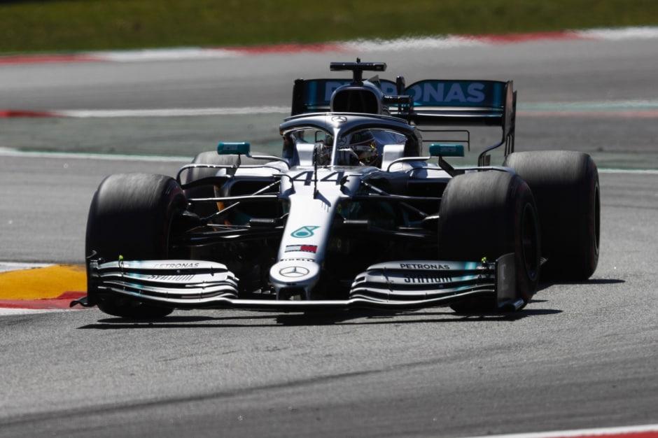 Hamilton stále neví, proč semu nedaří vkvalifikaci