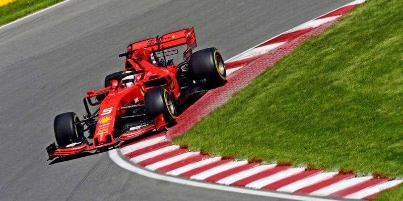 Tohle není fér, hřměl po penalizaci Vettel