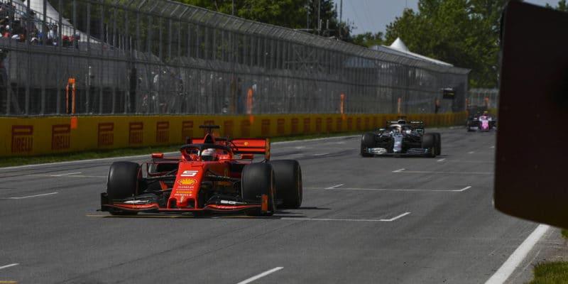 FIA zdůvodnila, proč Vettela penalizovala
