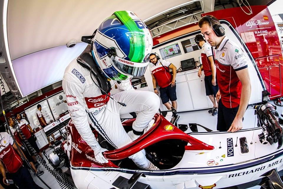 Giovinazzi uštědřil Räikkönenovi druhou porážku v řadě