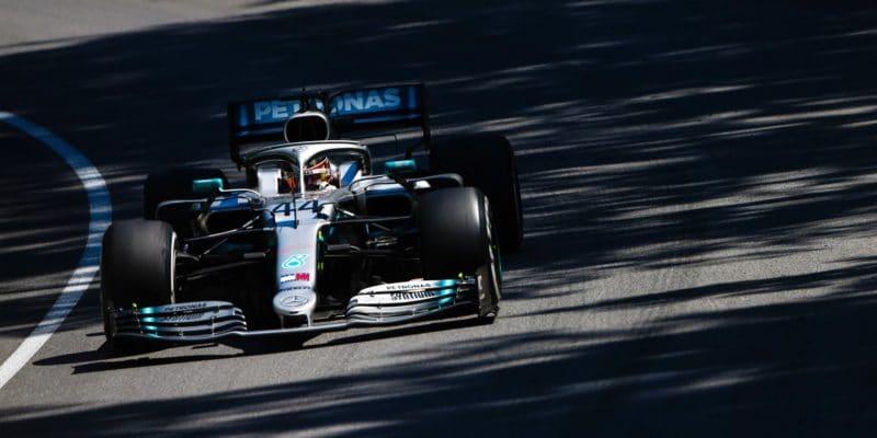 V cíli vKanadě první Vettel, kvůli trestu však vítězí Hamilton