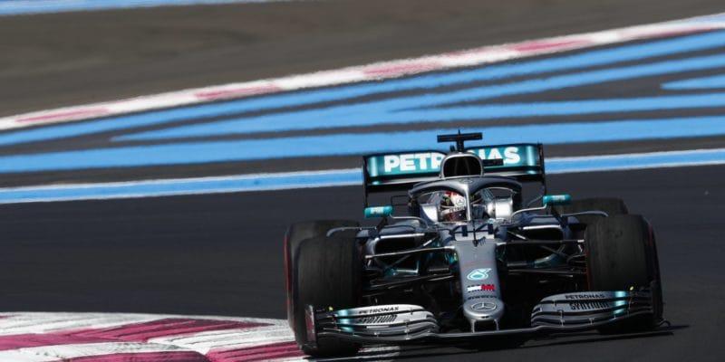 Kvalifikaci ve Francii vyhrál Hamilton, Vettel až sedmý