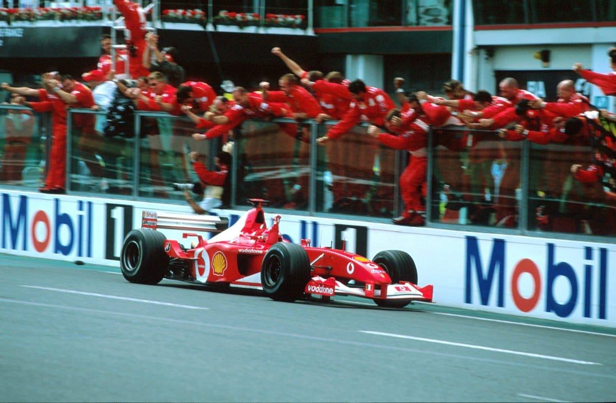 Schumacherovo Ferrari F2002 bude vydraženo