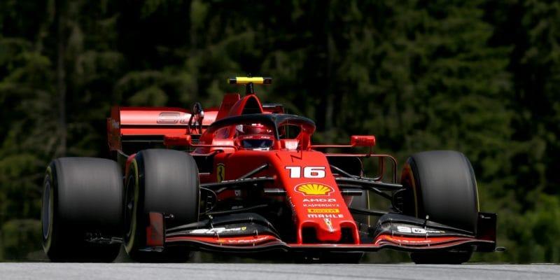 Poklidný sobotní trénink ovládl Leclerc
