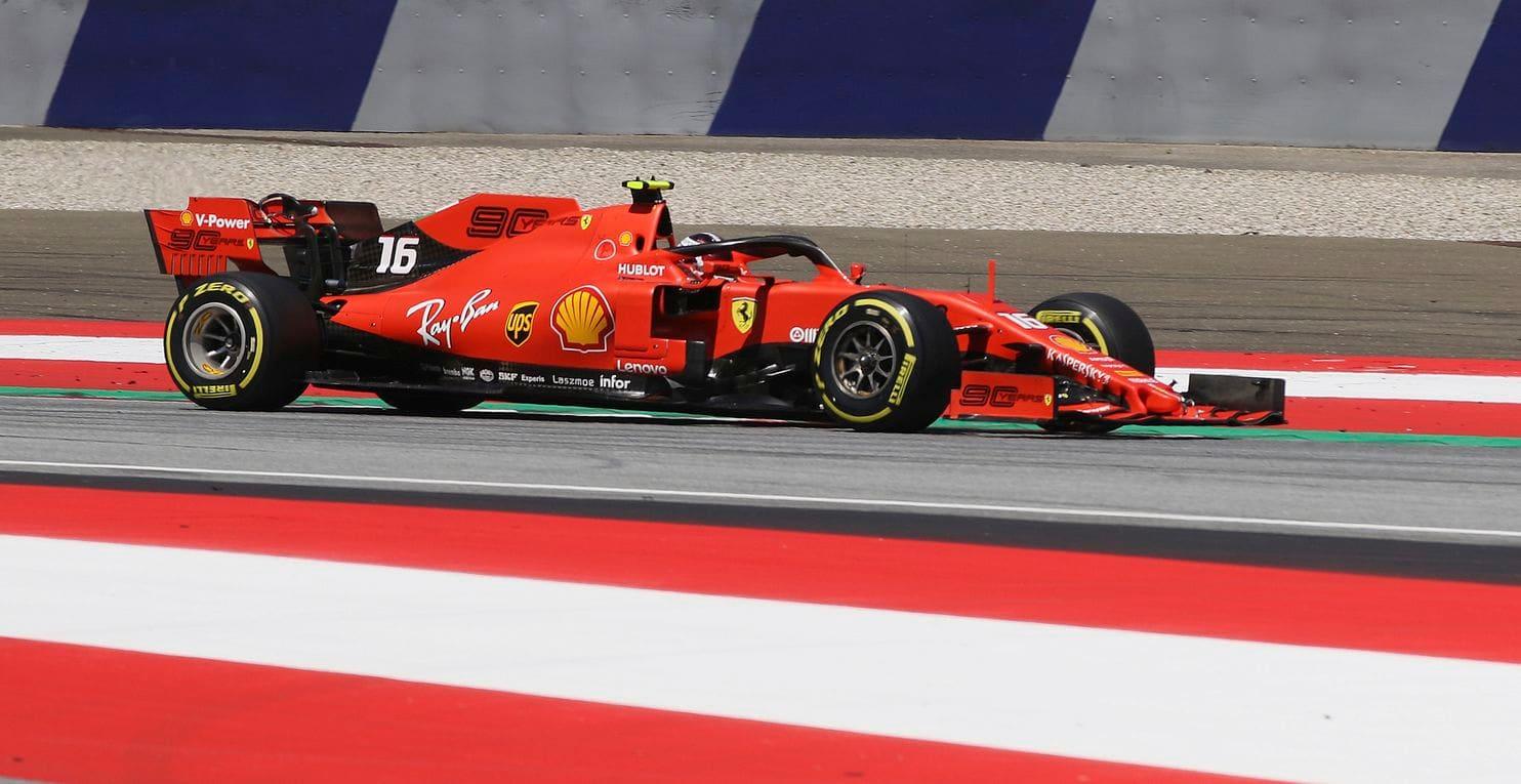 K pole position mi pomohla změna nastavení, říká Leclerc