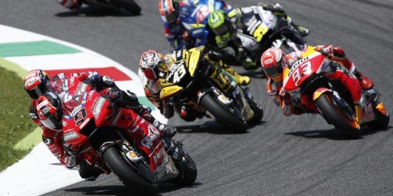 Pravidla MotoGP by mohla být příkladem pro F1