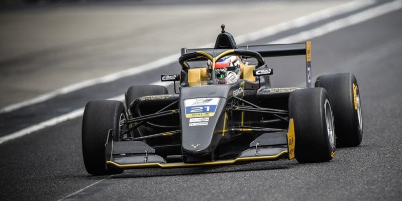 Asijská F3 na Suzuce: Ptáček pole position nezužitkoval
