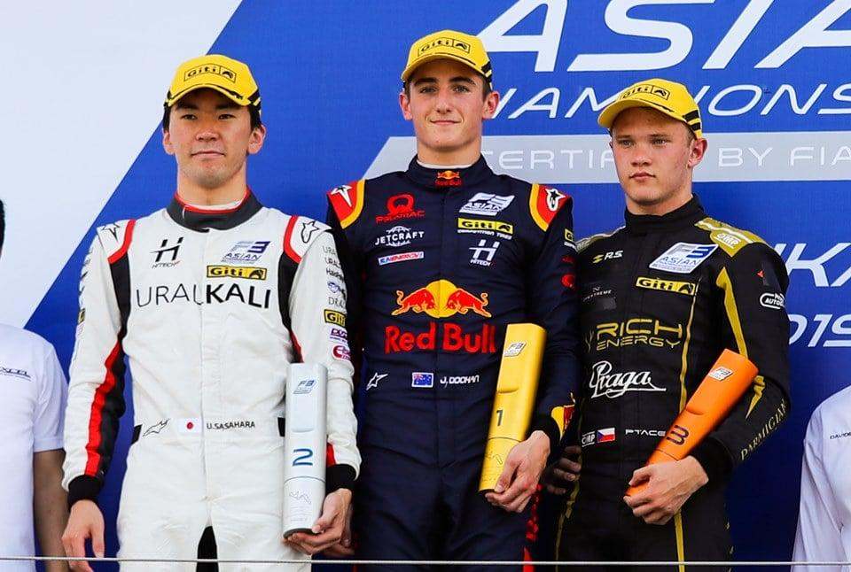 Petr Ptáček skončil třetí v závodě Asijské F3
