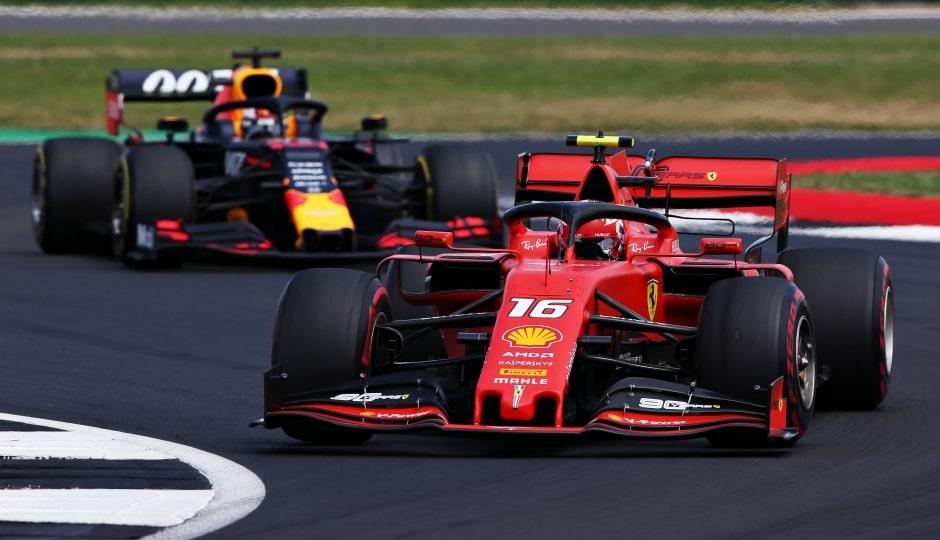 Leclerc řekl, že byl na Verstappena tvrdší