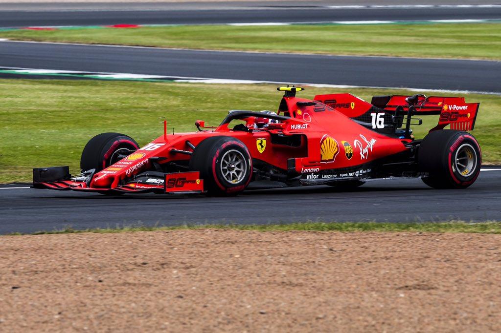 Ve třetím tréninku byli nejrychlejší jezdci Ferrari