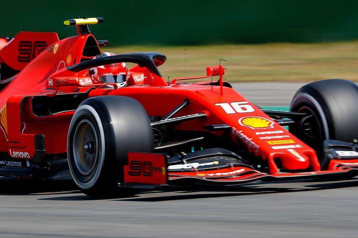 Jezdci Ferrari byli nejrychlejší i ve druhém tréninku