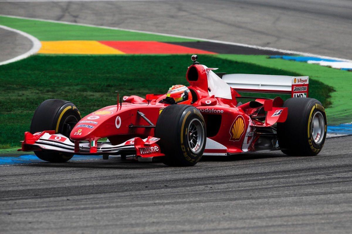 Mick Schumacher bude řídit Ferrari F2004 v Mugellu