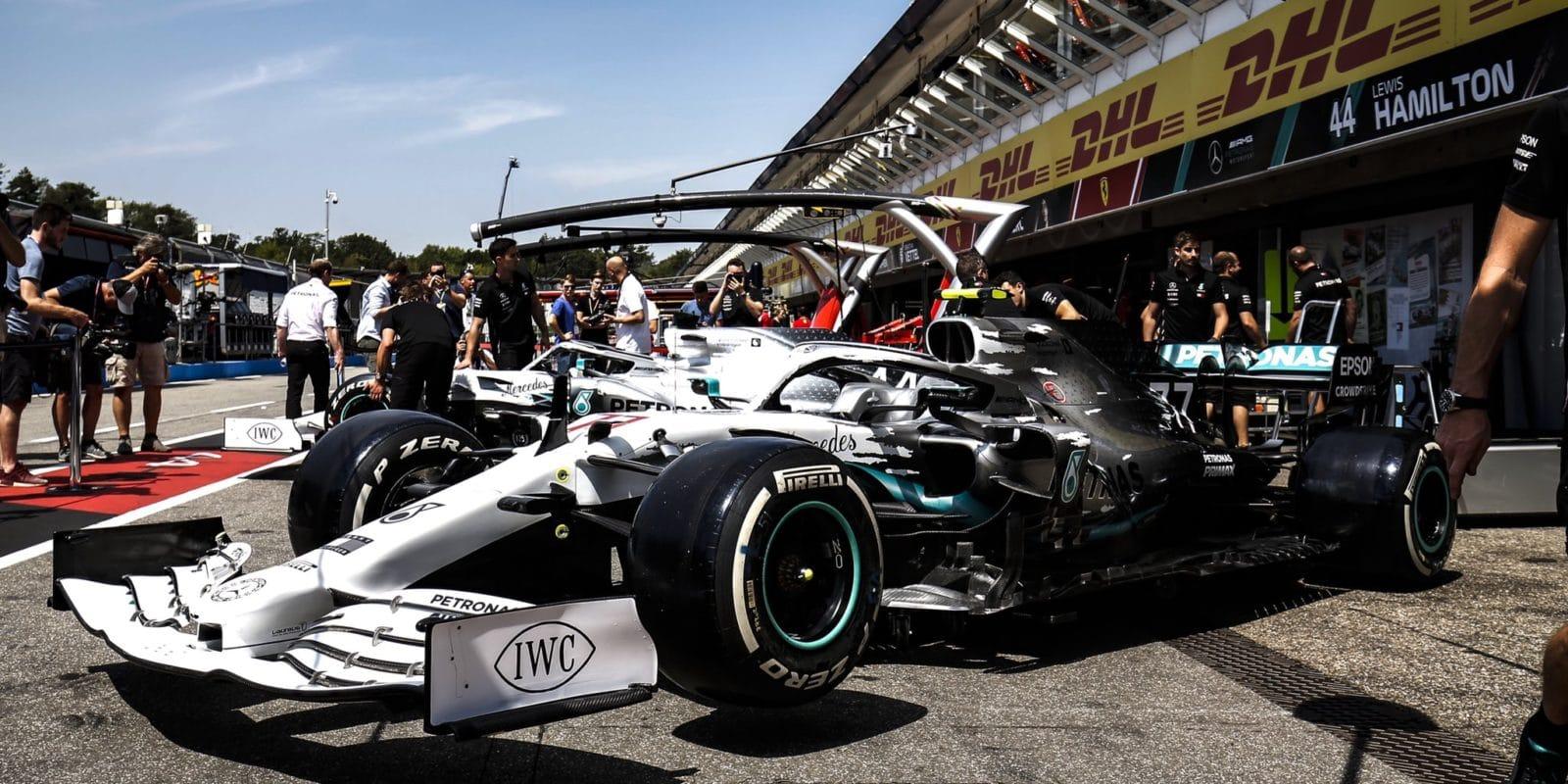 Mercedes bojuje s malými problémy pohonné jednotky
