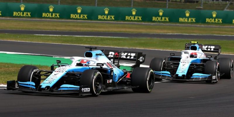 Williams – tri kroky späť adva vpred