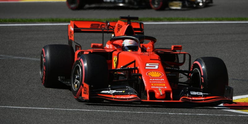 Třetí trénink vMonze těsně ovládl Vettel
