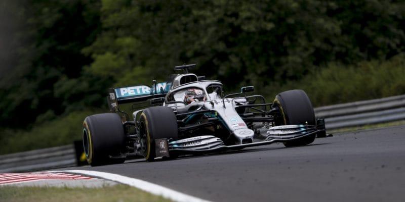 Lewis Hamilton byl nejrychlejší ve třetím tréninku