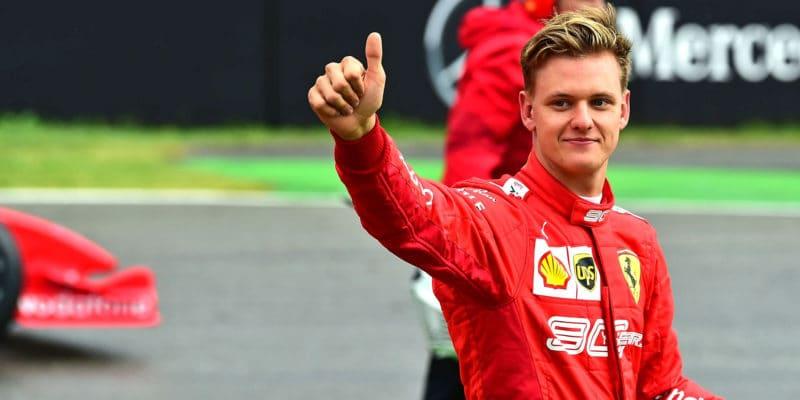 Mercedes sevzdal šance nazískání Micka Schumachera