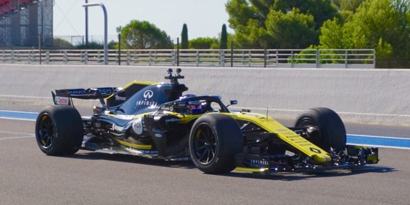 Pirelli testuje 18-palcové pneu