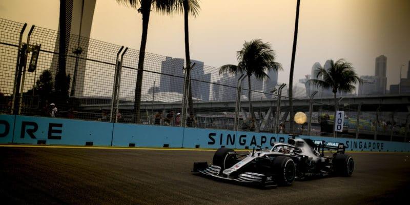 Zaskočený Hamilton: Nechápu, kde našli rychlost