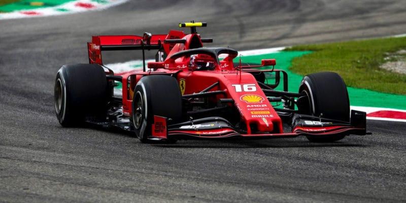 Fanoušci Ferrari se dočkali, Leclerc vyhrál v Monze