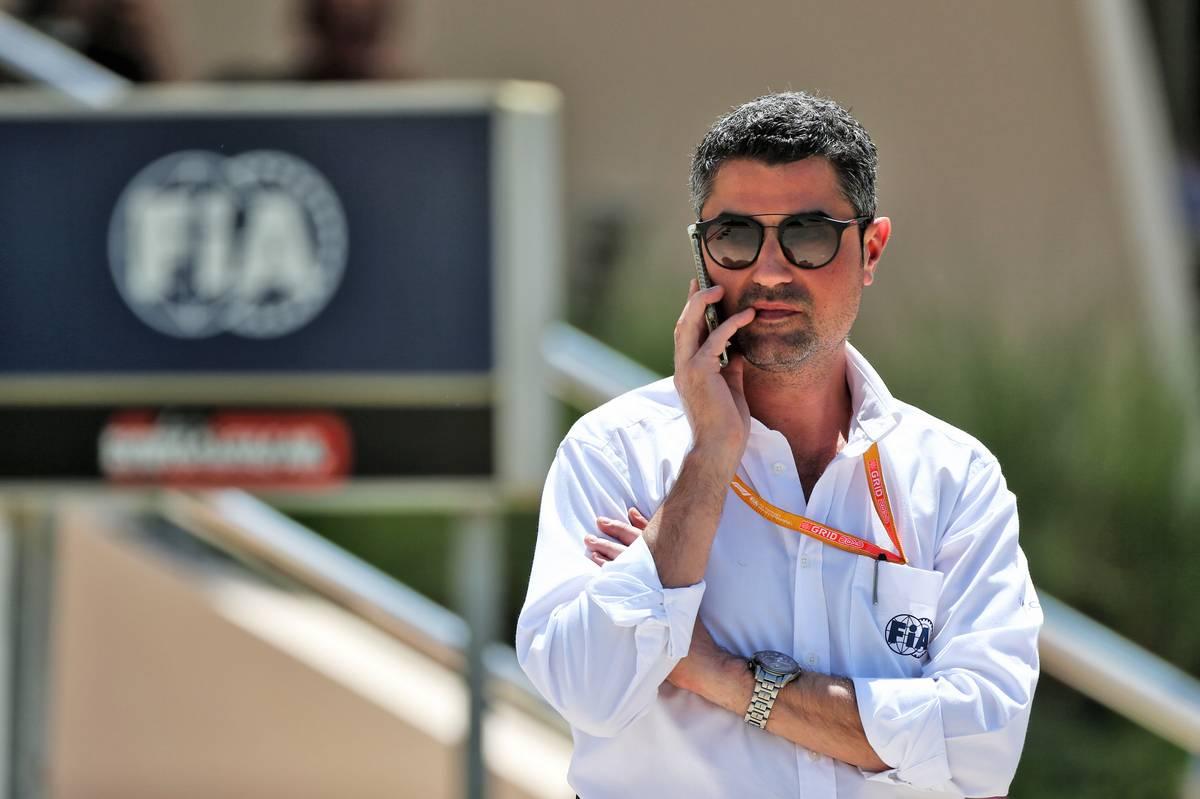 FIA plánuje změnit počet desingů helem