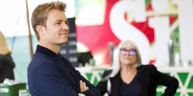 Vettel si v Belgii zahrál na Barrichella, říká Rosberg