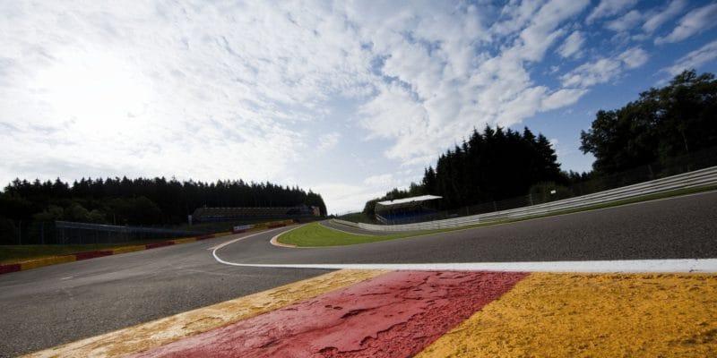 Nedělní závod Formule 2 zrušen