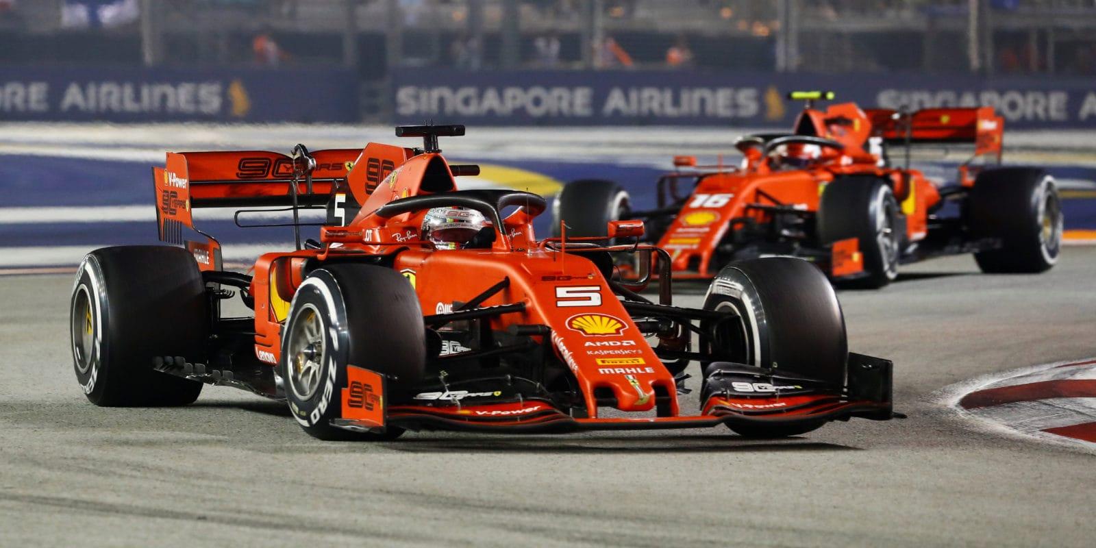 """Binotto: Nechat Vettela v Singapuru vyhrát bylo """"klíčové"""""""