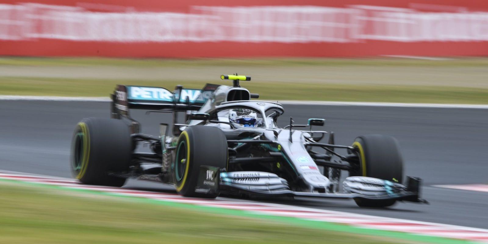 Double Mercedesu i ve druhém tréninku: Bottas opět vpředu